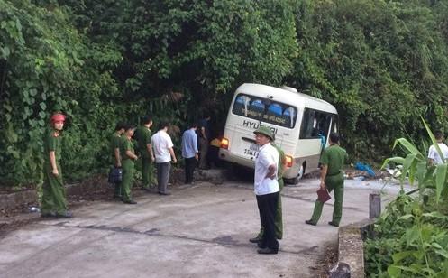 15 foreign students, 2 Vietnamese injured in central Vietnam traffic mishap