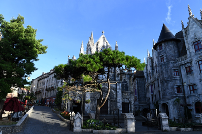 In the past decade, the number of visitors coming to Ba Na Hills has risen 160 fold.