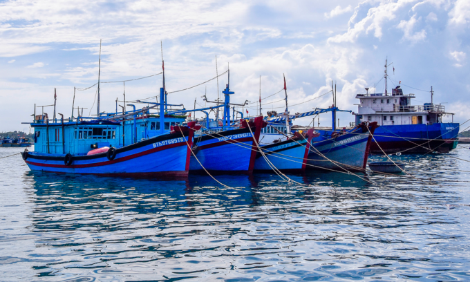 Malaysia detains 29 Vietnamese fishermen for intruding into its waters