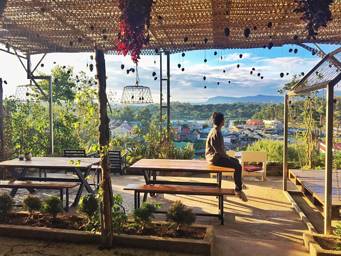 5 cafés to enjoy views of Da Lat mountains - 4