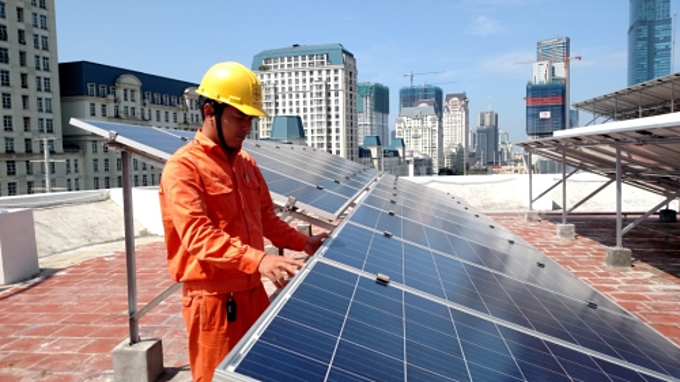 Hanoi pays consumers selling rooftop solar power to grid