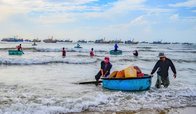 Treat detained fishermen humanely, Vietnam requests Malaysia