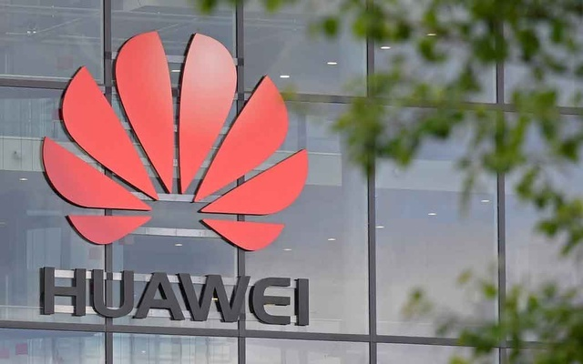 Trump signs order on telecoms, paving the way for possible Huawei ban
