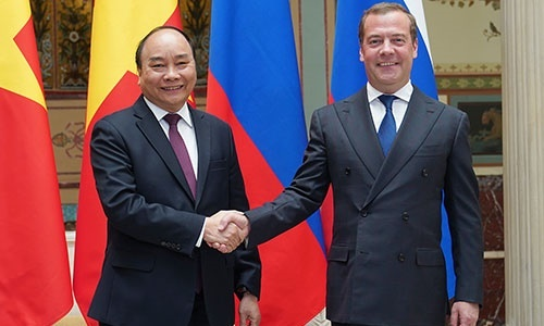 PM Phuc lauds Russian role in region, world
