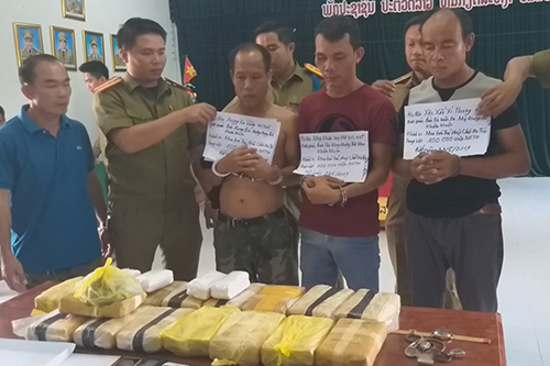 Lao men detained near Vietnam border with 100,000 ecstasy pills
