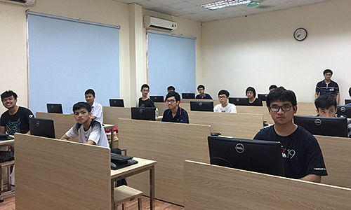 Vietnamese students bag seven silver medals at Asian informatics competition