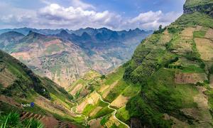 Landslide injures tour guide, Dutch tourist in northern Vietnam