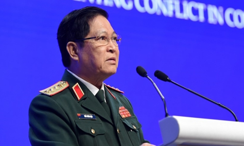 Vietnam defense minister calls for cooperation to solve South China Sea disputes