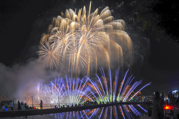 Da Nang's international fireworks festival begins with a bang - 3