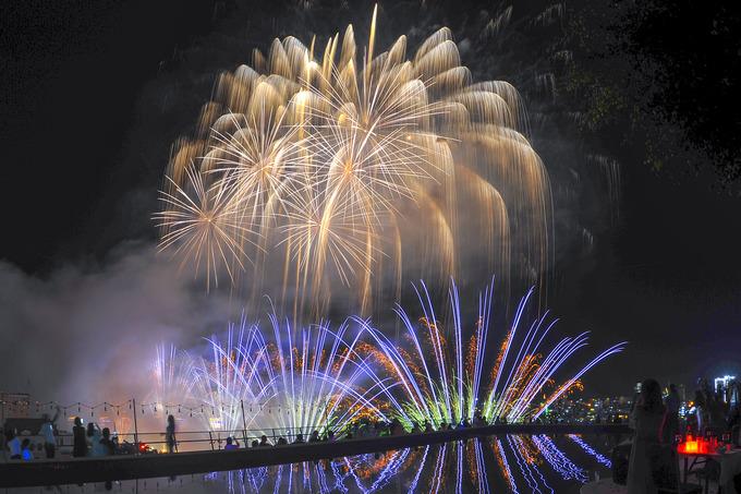 Da Nang's international fireworks festival begins with a bang - 3