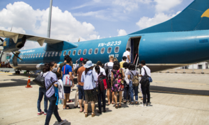 Two Chinese caught stealing on Vietnam Airlines flights