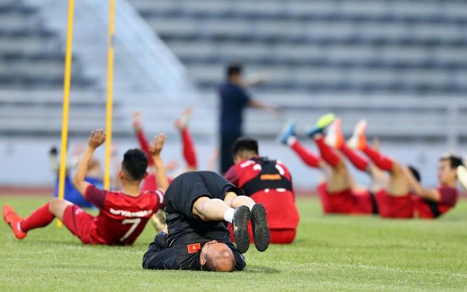 Vietnam begin King's Cup training - 3