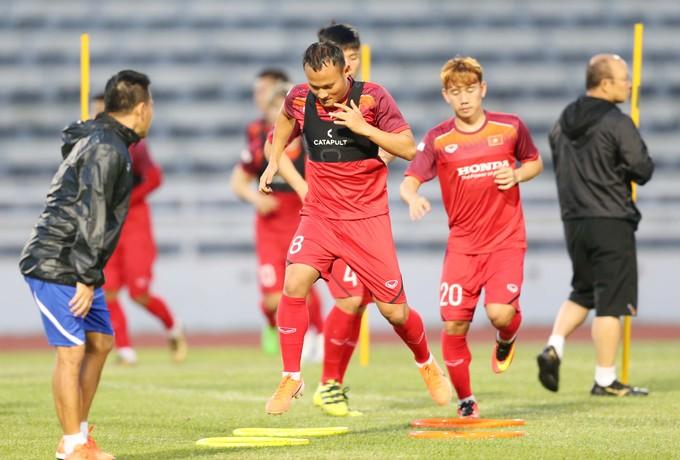 Vietnam begin King's Cup training - 7