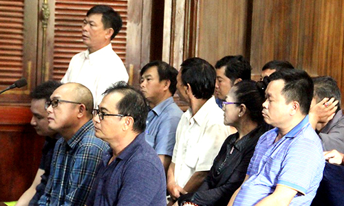 Five Vietnamese Americans fined for car import fraud
