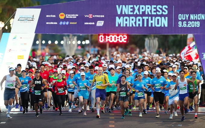 Runners at VnExpress Marathon 2019 in Quy Nhon, a beach town in central Vietnam. Photo by VnExpress.