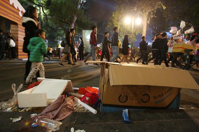 Hanoi urban company wants to name and shame litterbugs