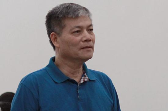Vinashins former chairman Nguyen Ngoc Su at the court.