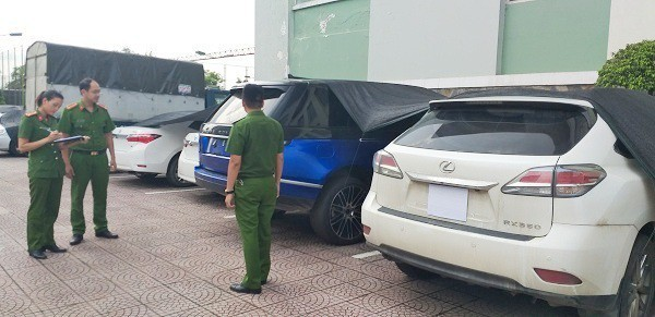 10 probed for forging papers to smuggle autos from Laos to Vietnam