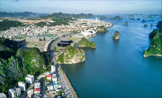 An aerial view of Ha Long Town in Quang Ninh Province. Photo acquired by VnExpress.