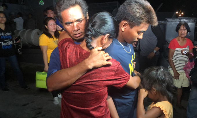 All gestures, no words as Vietnamese fishermen saved 22 Filipinos