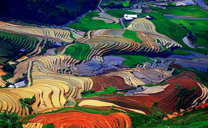 Scintillating sight: water logged fields in Vietnam's northern highlands  (EDITED) - 3