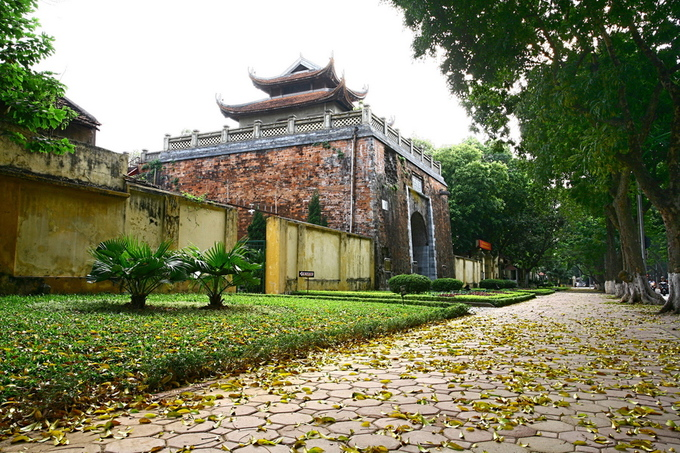 Ancient gate in Hanoi wears scars of 19th century cannon attack - 6