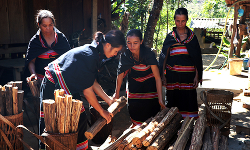 Where women collect wood to light the fire of romance