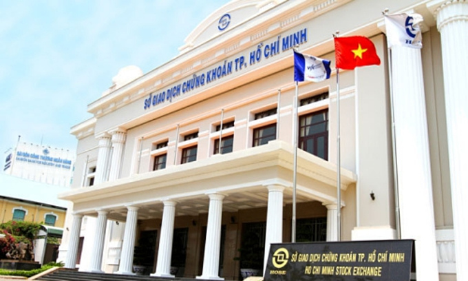 Vietnam begins trading in covered warrants