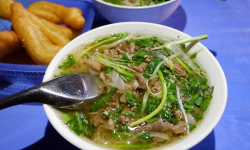 Hanoi's eateries that close at dawn