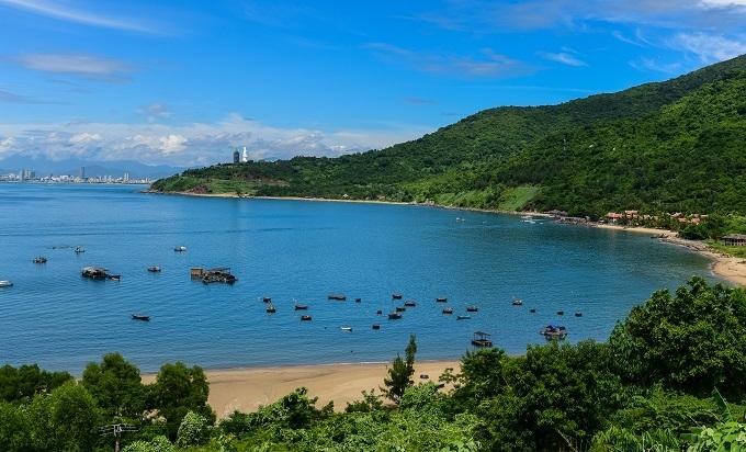 Da Nang is well-known for its beautiful beaches. Photo by Shutterstock/Khoa Dang Nguyen.