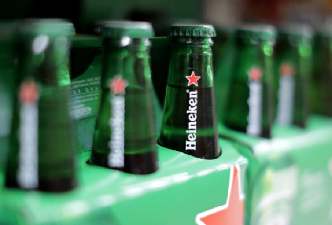 Heineken Vietnam terminated its personnel supply contract with SPSC in mid-2016 to implement its parent company's new global recruitment policy. Photo by Reuters/Eric Gaillard.