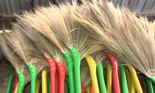 Mekong Delta reed brooms venture abroad