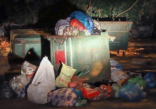 Da Nang residents block garbage dump to demand its relocation