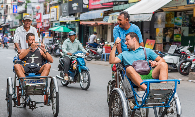 Unsafe traffic, cheating diminish Vietnam's tourism gains