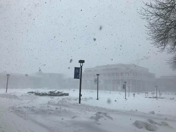A stormy day at Macalester College in Saint Paul, Minnesota. Photo provided by Nguyen Thuy Anh.