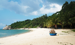 Sparsely populated Cham Islands offer a quiet, fun vacation