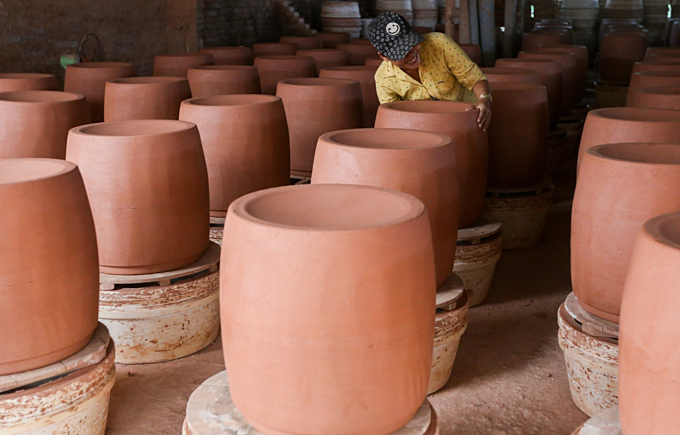 Southern Vietnam pottery village, 150 years and going strong - 2