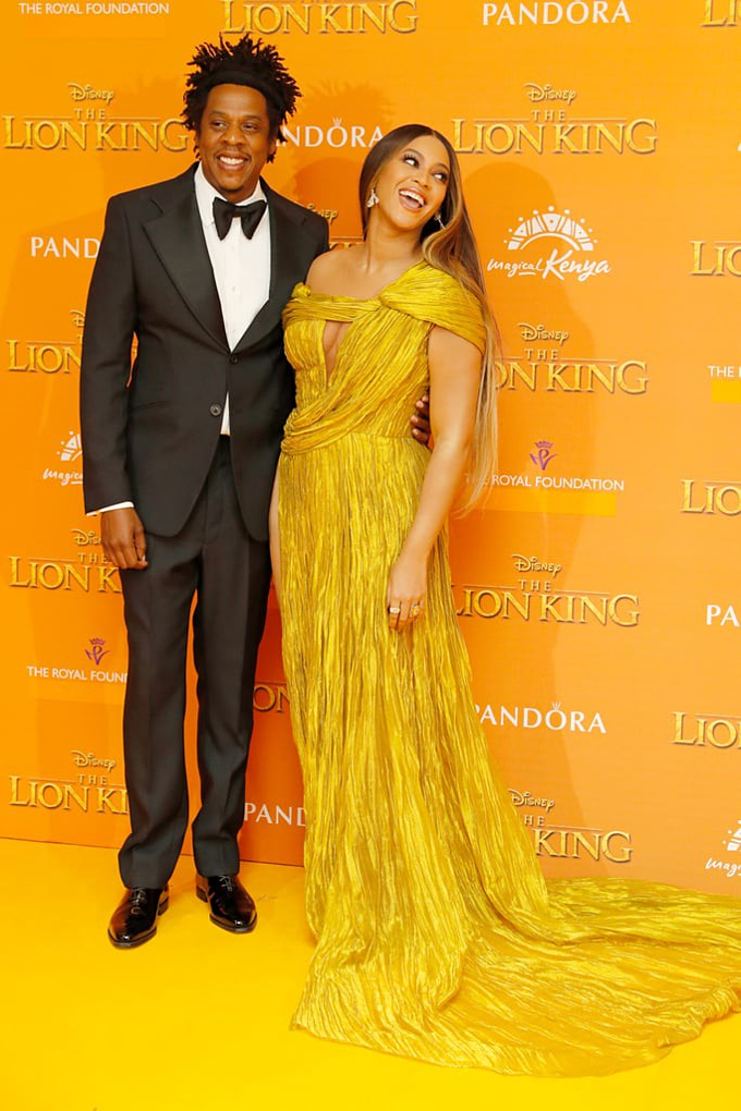 Beyoncé and husband JAY-Z in the premiere of The Lion King. Photo acquired by VnExpress.