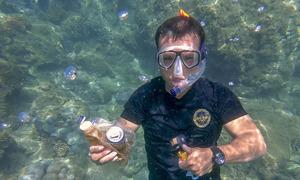 Da Nang tour operator turns undersea Trashman