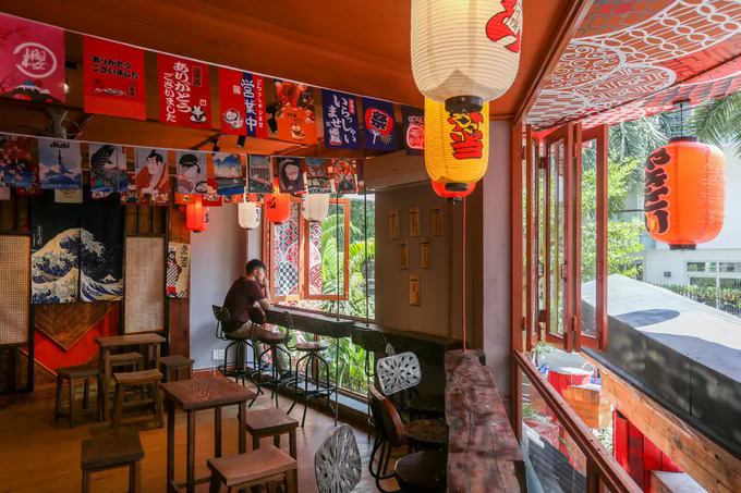 Japanese décor and direct brewing set a café apart in Saigon - 2