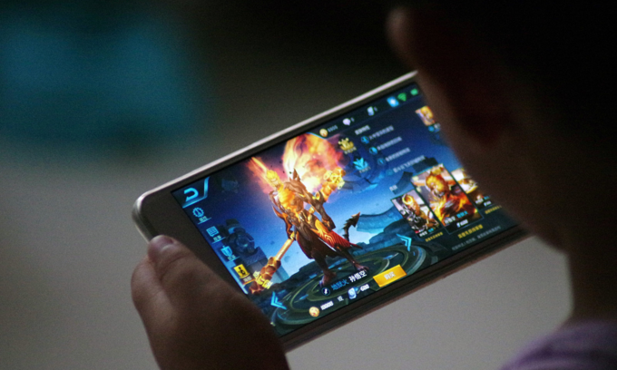 142 illegal games removed from Apple, Google app stores in Vietnam