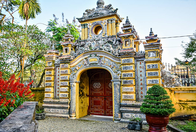 Palatial birthplace of  Vietnam's last king carries multiple influences - 1