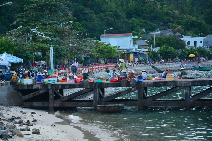 Sparsely populated Cham Islands offer a quiet, fun vacation - 3