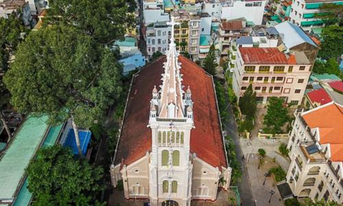 300-year-old Saigon church defies wars