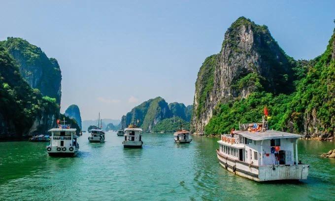 Ha Long Bay to pilot plastic ban on tourism boats
