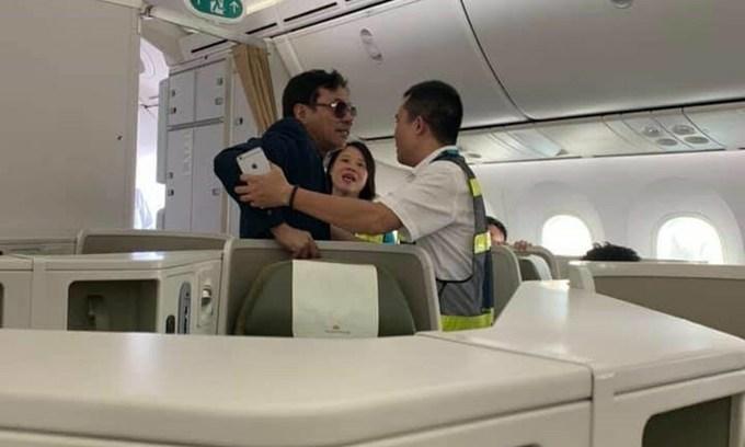 Drunken passenger fined for sexual harassment on Vietnam Airlines flight