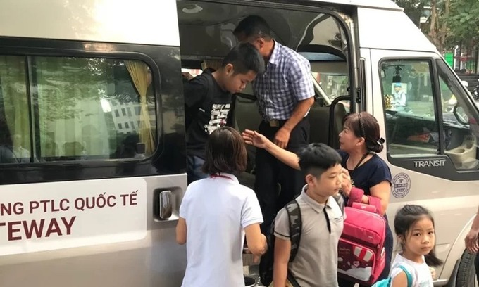 Hanoi student abandoned on school bus, found dead