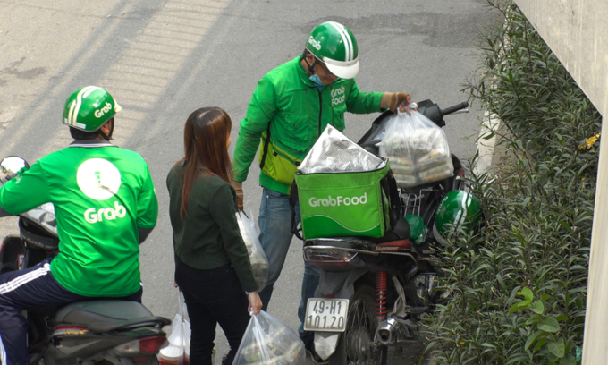 Vietjet Air, Grab, Swift247 to launch express delivery service