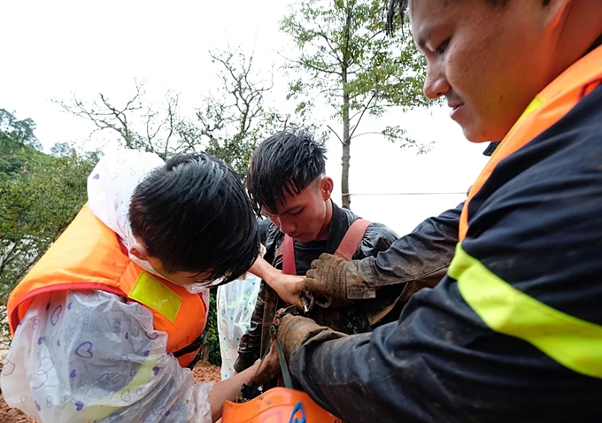 Inside Central Highlands flood rope rescue (unedited) - 1