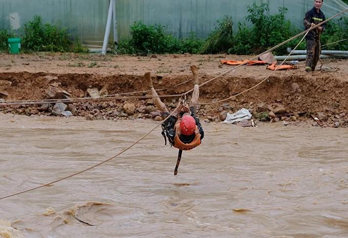 Inside Central Highlands flood rope rescue (unedited) - 2